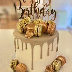 Gouden Macaron en Groene Drip Cake